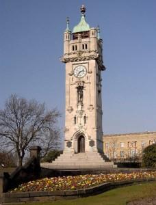 Годинникова башта на честь Волтера Вайдхеда